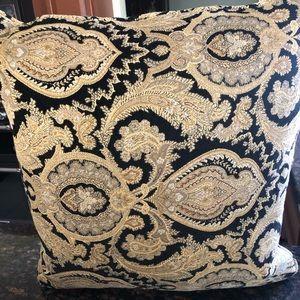 🆕 Custom Throw Pillows